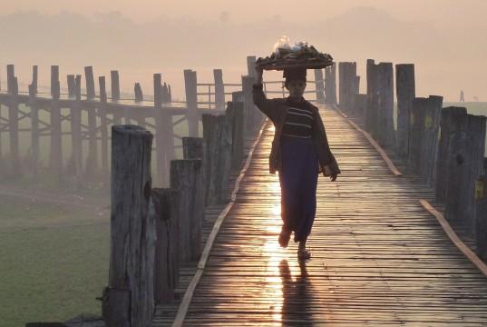 pasarela en myanmar